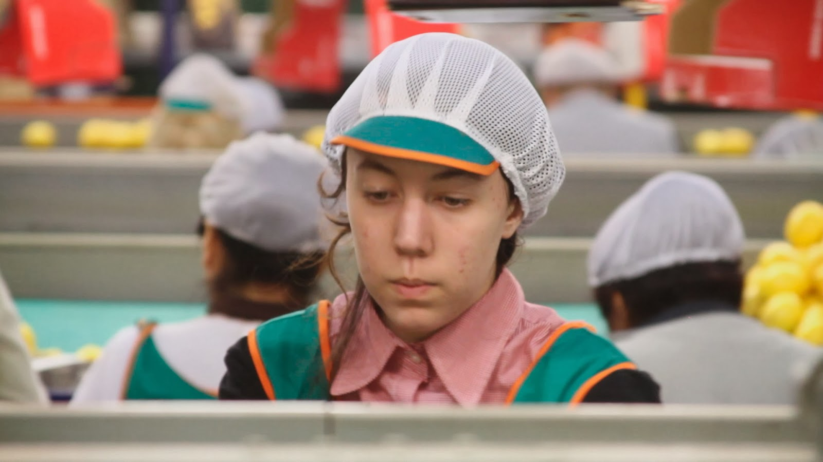 01-the-girl-in-thelemon-factory